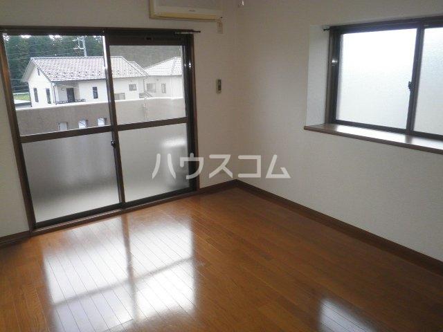 竹成マンション 2E号室のリビング