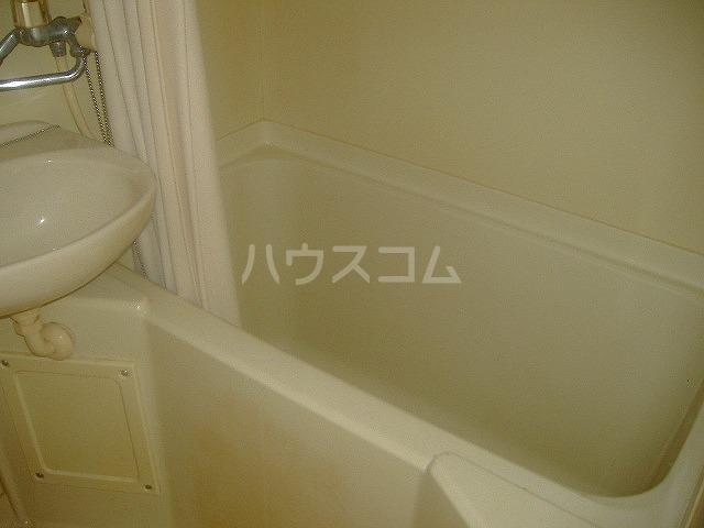 メゾン滝川 209号室の風呂