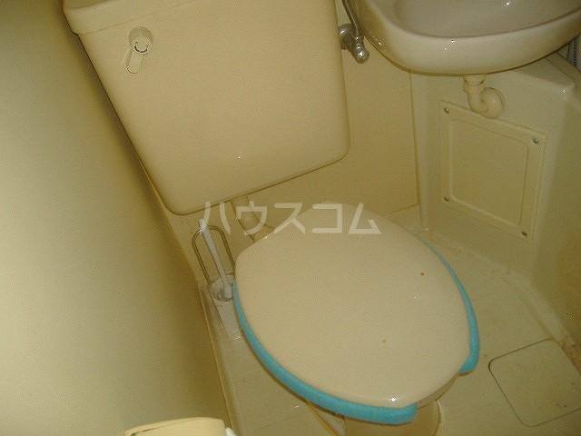 メゾン滝川 209号室のトイレ