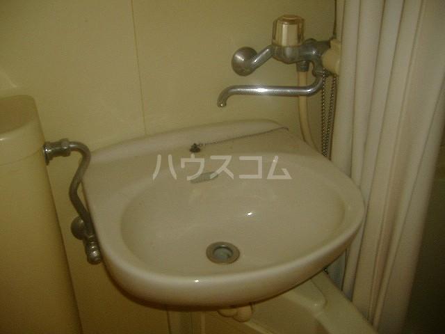 メゾン滝川 209号室の洗面所
