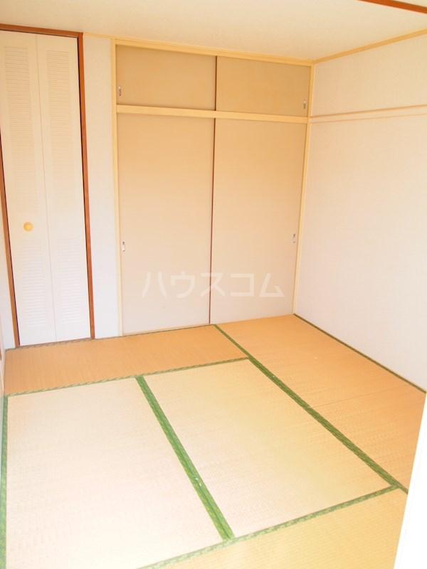 アーバンハイツ南福岡 202号室の居室