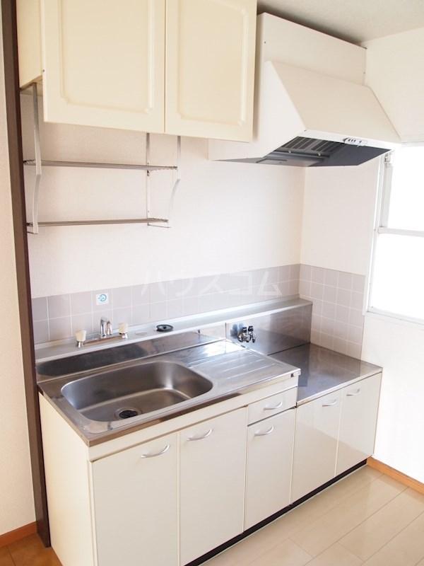 アーバンハイツ南福岡 202号室のキッチン