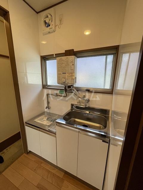 第2山王荘 103号室のキッチン