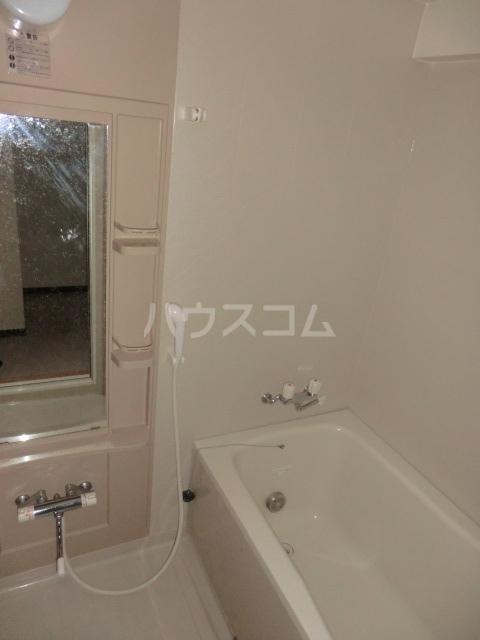 コートソレイユ 201号室の風呂