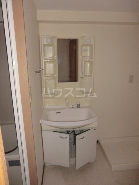 コートソレイユ 201号室の洗面所