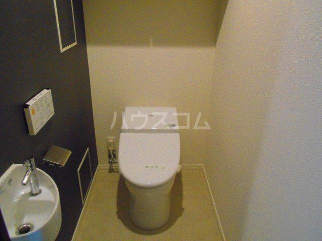 プレミスト西新CRONO 601号室のトイレ