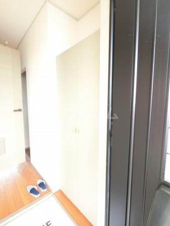 グランドサニーハイツ 102号室の玄関