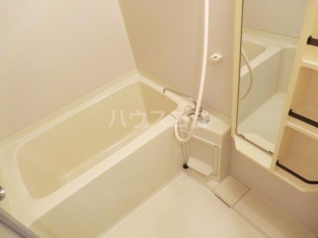 アーバンヒルズ 303号室の風呂