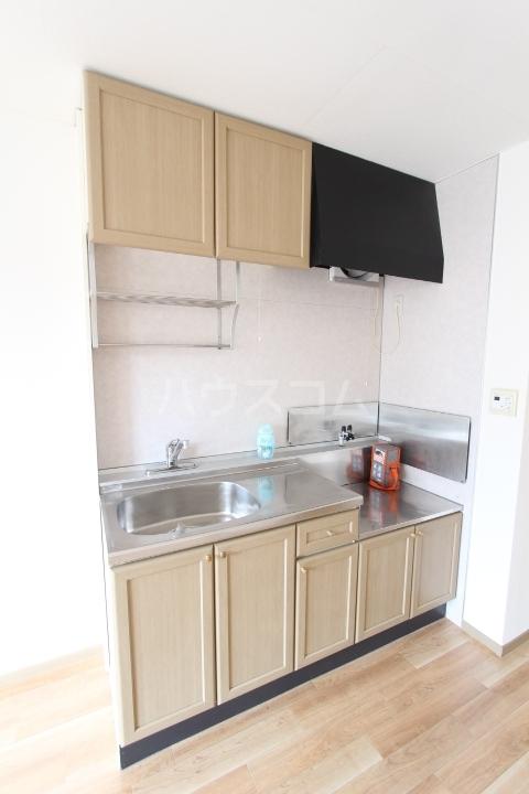 サンビレッジ上郷 A棟 203号室のキッチン