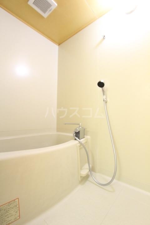 サンビレッジ上郷 A棟 203号室の風呂