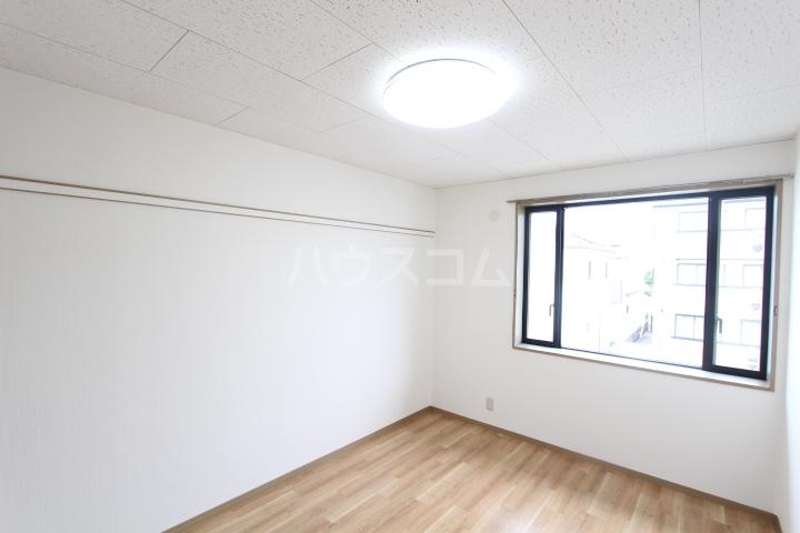 サンビレッジ上郷 A棟 203号室のベッドルーム