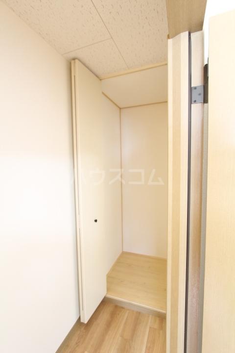 サンビレッジ上郷 A棟 203号室の収納