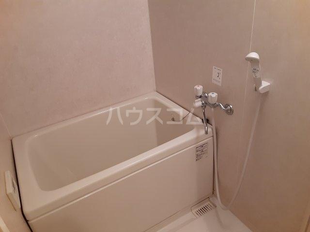 ランブラス桂水築町 103号室の風呂
