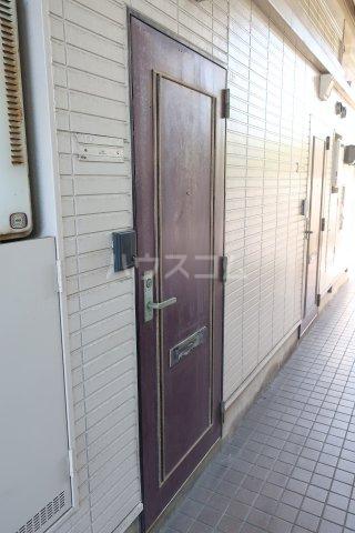 レオパレス大江第3 102号室の玄関