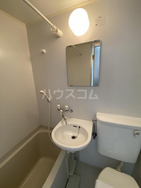 アネックス若松 201号室の洗面所