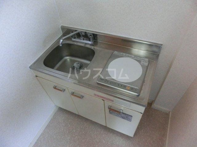 エイコーハイツ 101号室のキッチン