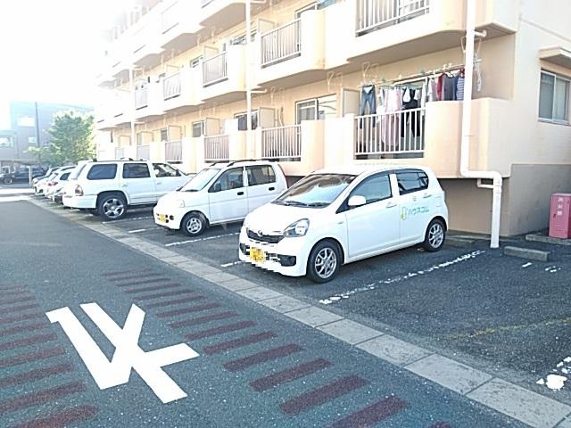 アプローズShimazu 203号室の駐車場