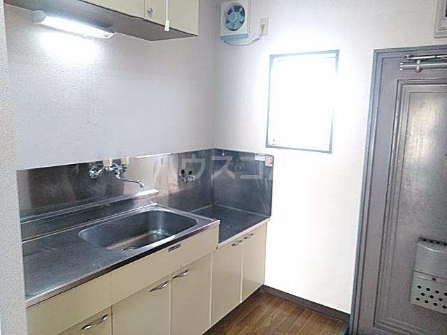 アプローズShimazu 203号室のキッチン