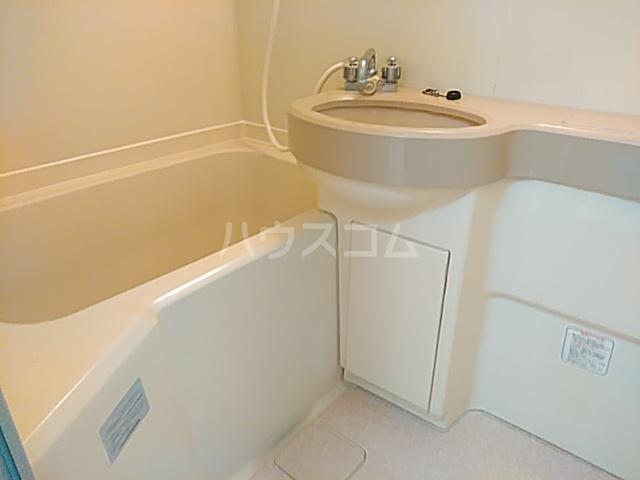 アプローズShimazu 203号室の風呂