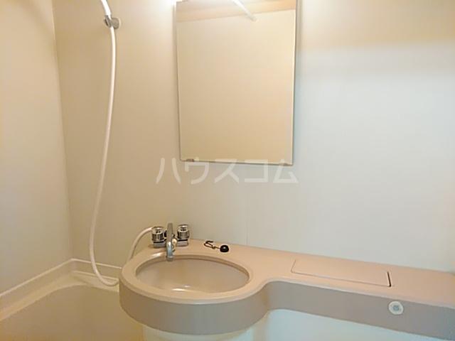 アプローズShimazu 203号室の洗面所