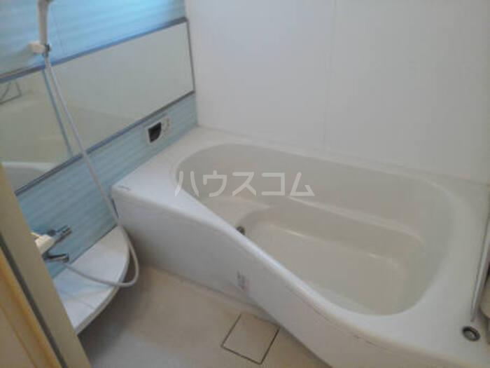 ベルサージュ A 201号室の風呂