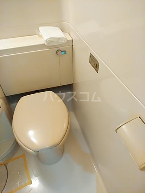コナビック上西 4G号室のトイレ