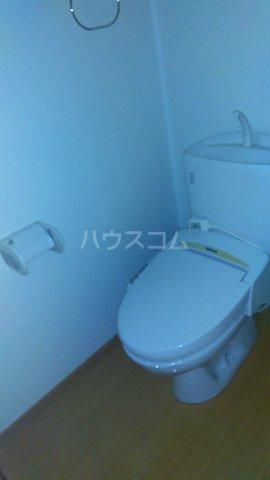 コンフォート熊谷 203号室のトイレ