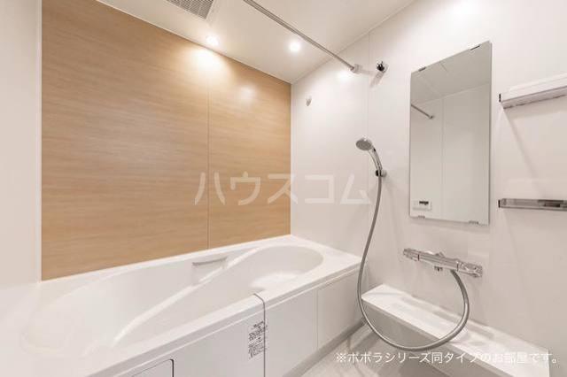 グラン ベルデA 01010号室の風呂