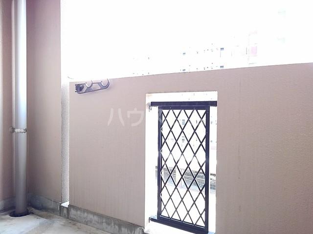 スヴニ-ルⅡ 04010号室のバルコニー