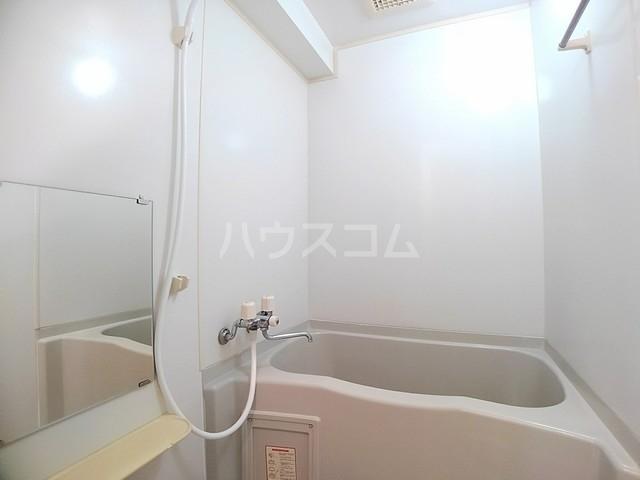 スヴニ-ルⅡ 04010号室の風呂
