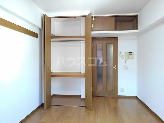 スヴニ-ルⅡ 04010号室の収納