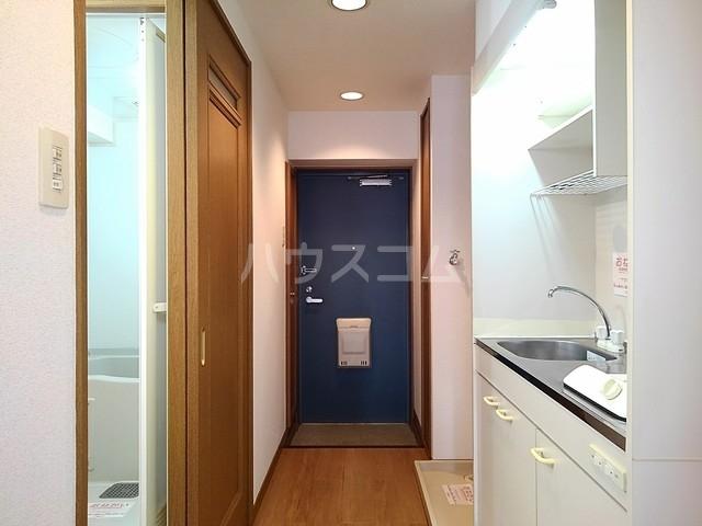 スヴニ-ルⅡ 04010号室の玄関