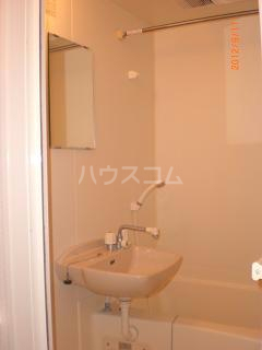 レオパレスコンフォート平松 207号室の風呂