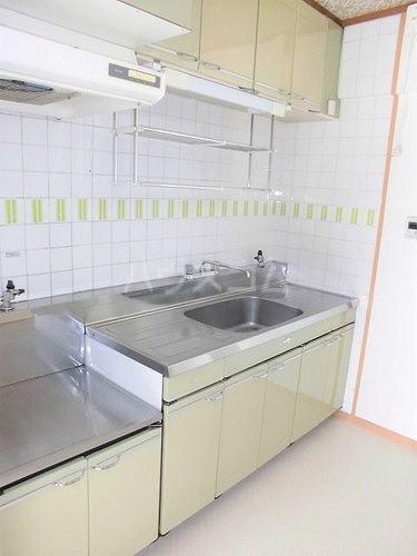 プラザ春日井 504号室のキッチン