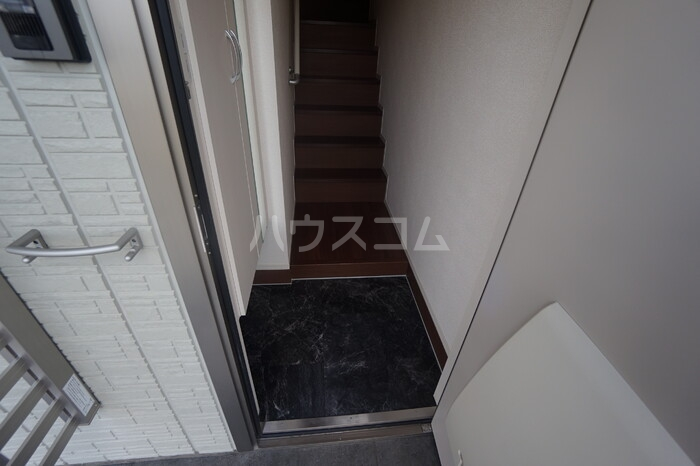 CERCATORE 206号室の玄関