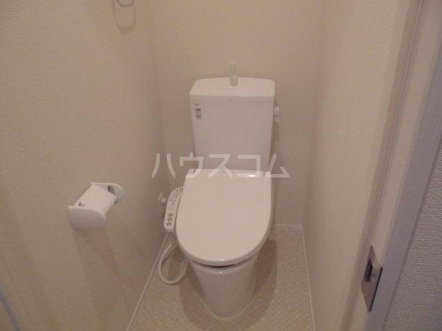 モン トレゾール 101号室のトイレ