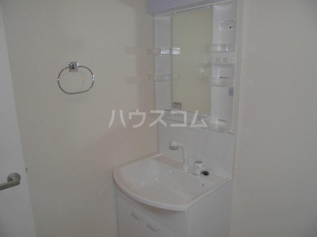 モン トレゾール 101号室の洗面所