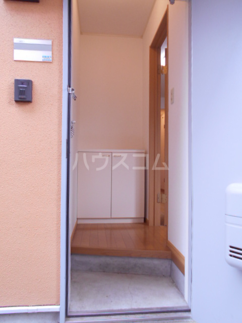 アビテM 102号室の玄関