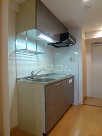 グリーンバレー唐木田 606号室のキッチン