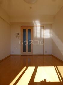 グリーンバレー唐木田 606号室の居室