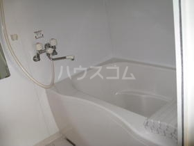コートビレッジ六番館 105号室の風呂
