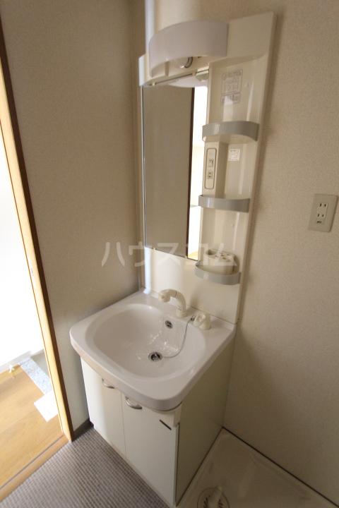 すまいる築山Ⅱ 101号室の洗面所