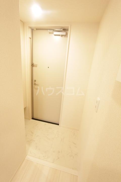 GRAND D-room豊田月見 102号室の玄関