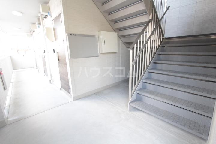GRAND D-room豊田月見 202号室のエントランス