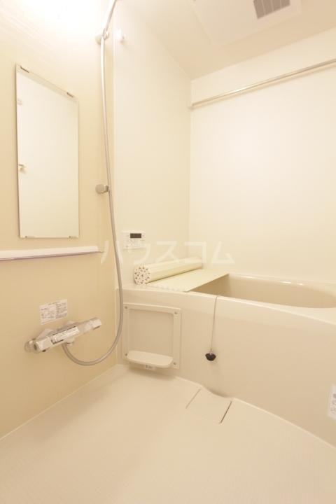 GRAND D-room豊田月見 203号室のエントランス