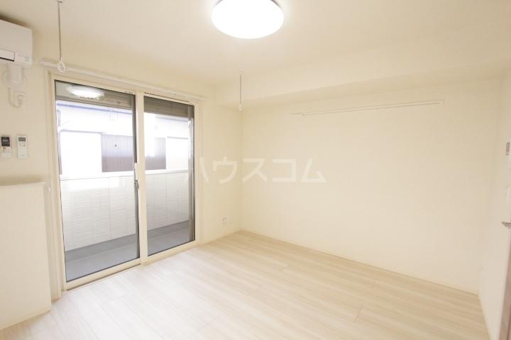 GRAND D-room豊田月見 205号室のリビング