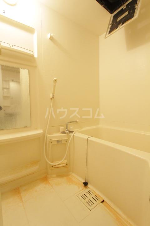 ヴァンクール豊田 804号室の風呂