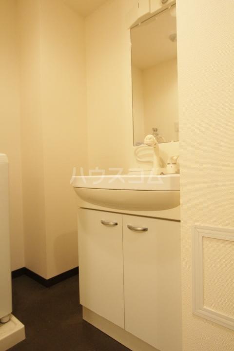 ヴァンクール豊田 804号室の洗面所