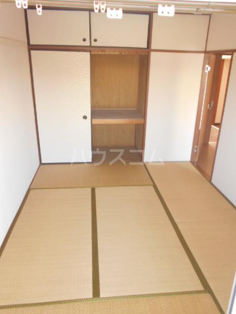 コーポ鳥山 302号室の居室