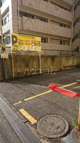 南大谷戸建の駐車場